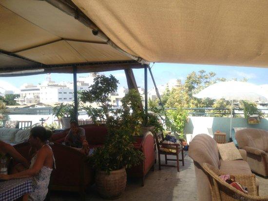 Florentine Hostel : Terrasse sur le toit