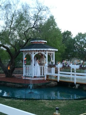 Old Irish B&B - Wedding & Event Center: The gazebo and heart shaped pond