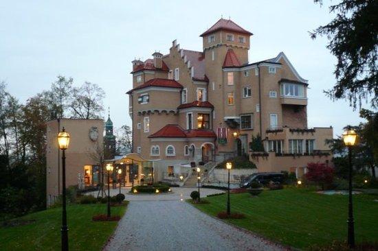 Hotel Schloss Monchstein: AUSTRIA