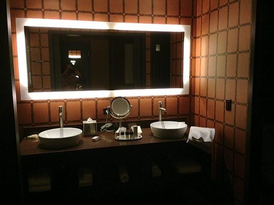 Bathroom vanities picture of golden nugget hotel las vegas tripadvisor - Bathroom cabinets las vegas ...