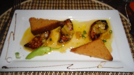 Au bon Vivre: Foie gras poélé à l'ananas & au Miel de Guadeloupe