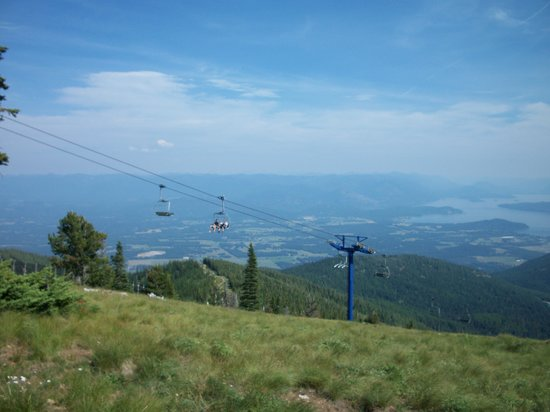 Schweitzer Mountain: Riding the ski lift tot eh top