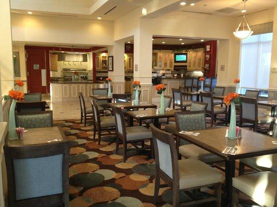 Hilton Garden Inn Beaumont : dining area