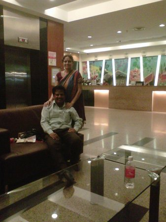 Hotel Sentral: Lobby & waiting area mostly used by wifi buffs too!