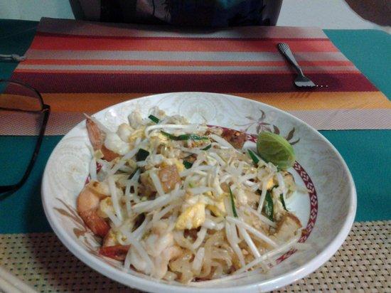 Khaw Glong Thai Restaurant: Pad Thai