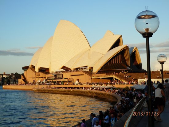 Real Sydney Tours: Sun set on the Opera House
