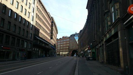 Cumulus Kaisaniemi: View of the hotel up Kaisaniemenkatu Street