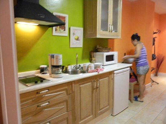 Aparthotel Capitolina: zona de cocina