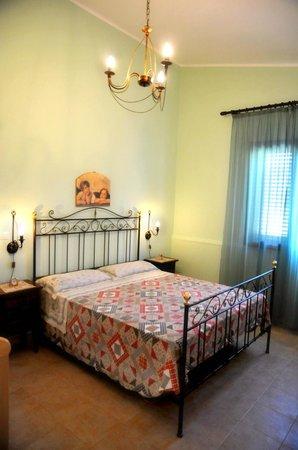 camera da letto - Foto di Agriturismo Il Piccolo Lago, Otranto ...