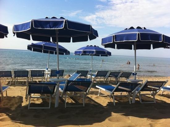 Hotel Residence Roccamare: un po stretti, un mare splendido