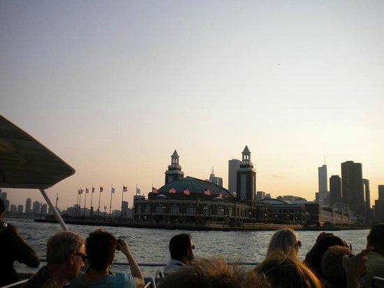 Mercury, Chicago's Skyline Cruiseline: Navy Pier from Lake Michigan
