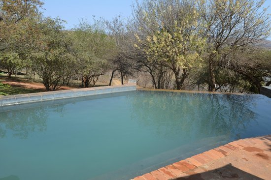 Nkwazi Lake Lodge: piscina
