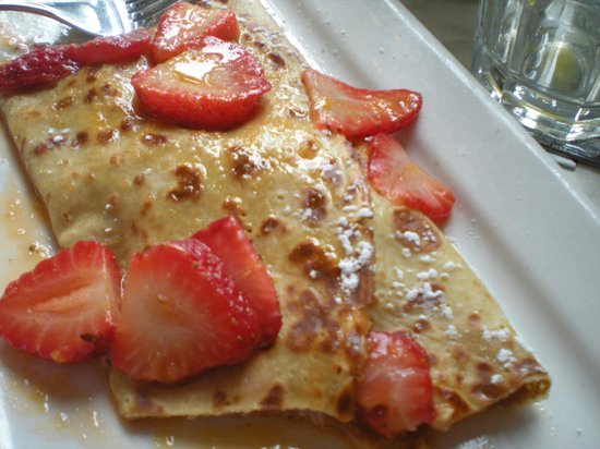Eggspectation Complex Desjardins: strawberry blonde crepe