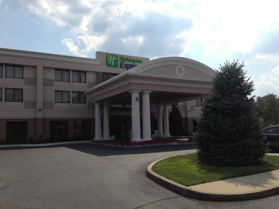 Holiday Inn Express Philadelphia NE - Bensalem: Main entrance