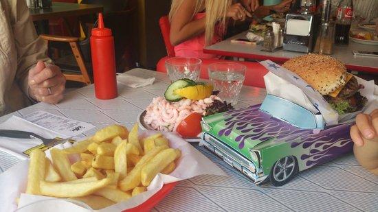 Ebbas Fik: Elvis burger and shrimp sandwich