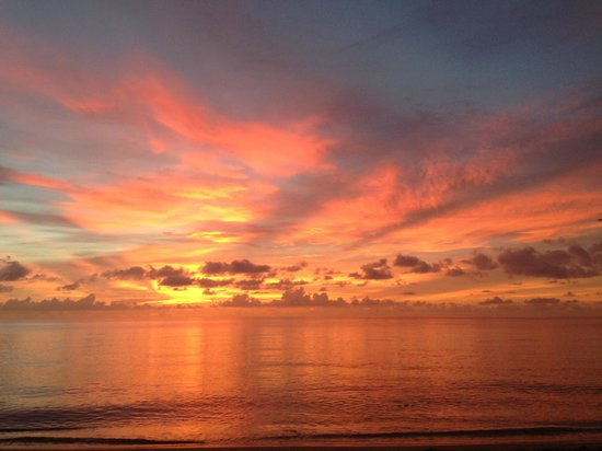 Paradise Oceanfront Hotel: Sunrise 9/2/2014-Breathtaking