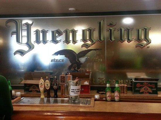 Yuengling Brewery: Bar