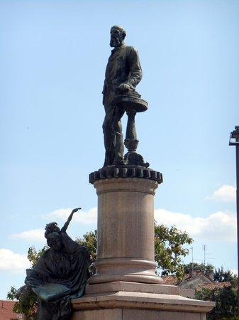 Monumento ad Alessandro Rossi