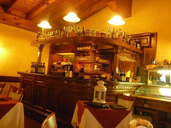 Hotel Coeur du Village: ristorante piccolo san Bernardo