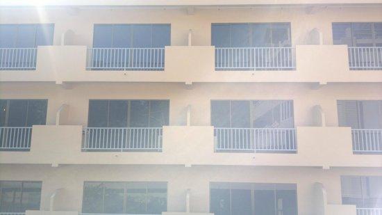 Kata Sun Beach: Rooms from outside