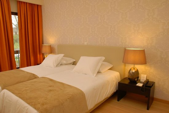 Hotel Mestre Afonso Domingues: Quarto standard