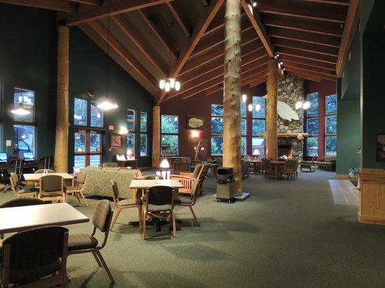 Seward Windsong Lodge: Lodge inside Lobby