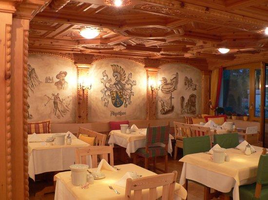 Allalin Swiss Alpine Hotel: Dining Room