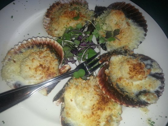 Baked Scallop Au Gratin appetizer - Picture of Lobster Pot ...