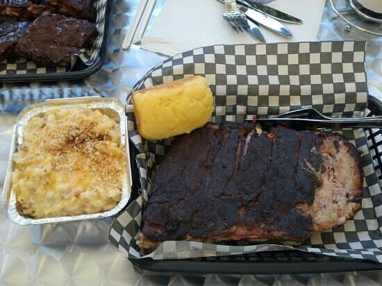 Hilltop BBQ Downtown: my half rack with mac
