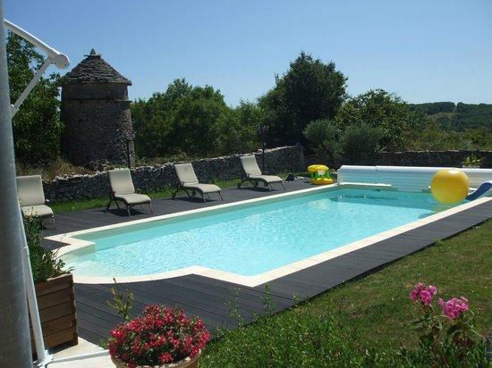 piscine obr zek za zen domaine du bouygues. Black Bedroom Furniture Sets. Home Design Ideas