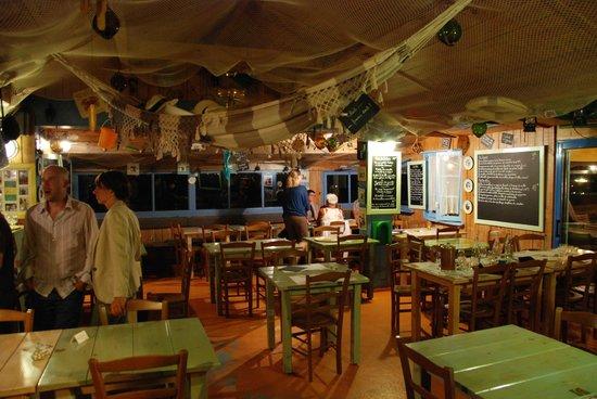 Le Relais des Salines : Le restaurant vue intérieure
