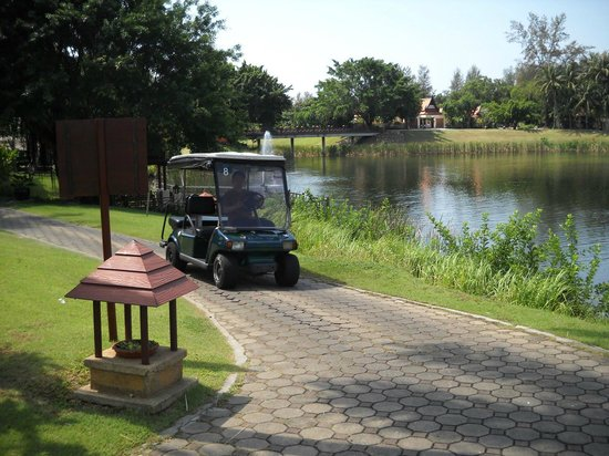 DoublePool Villas by Banyan Tree: Golf cart