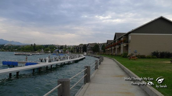 KwaTaqNuk Resort & Casino: View of the hotel, shoreline boardwalk and boat docks