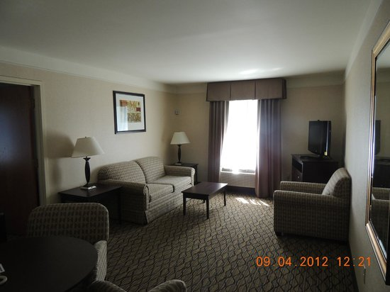 Holiday Inn Express Great Barrington: Master Suite