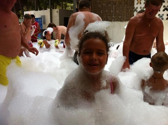 Ohtels Playa de Oro : fiesta de la espumaaaaa!!!!!!!