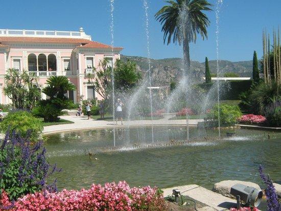 Giochi d 39 acqua picture of villa jardins ephrussi de for Villa jardins ephrussi de rothschild