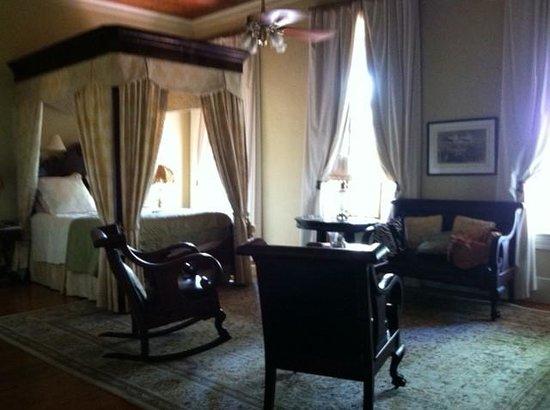 Ant Street Inn: New Orleans room