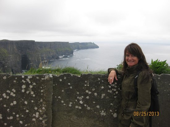 Crag Shore B&B: Cindy Maiorella at the Cliffs of Moher