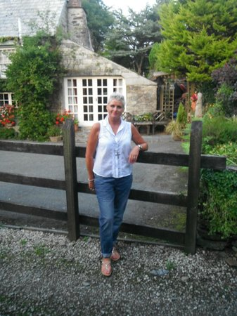 Culloden Farmhouse: outside our  Oak cottage, B&B in the background