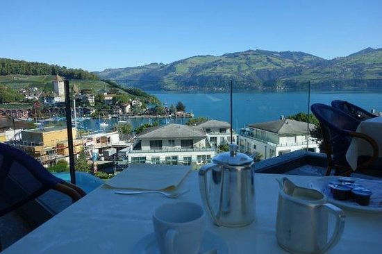 Belvedere Strandhotel & Restaurant: Breakfast on the terrace