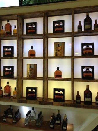Centro Historico Ron Barcelo: The store