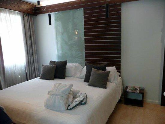 Hotel Museu Llegendes de Girona: Cama