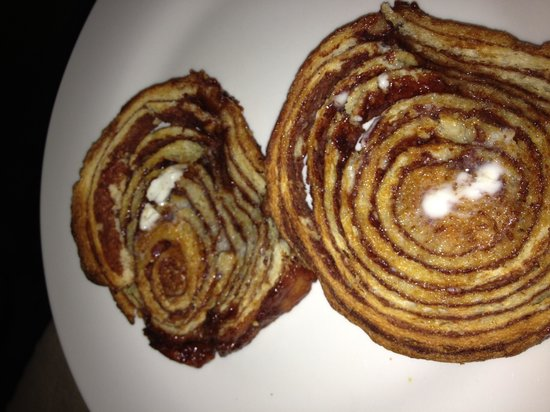Wagner's on Pacific: Cinnamon bread.