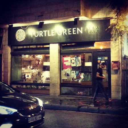 Turtle Green Tea Bar : Open till midnight