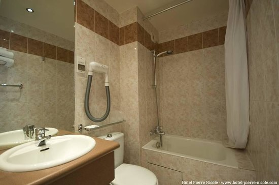 Hotel Pierre Nicole : Salle de bain 3
