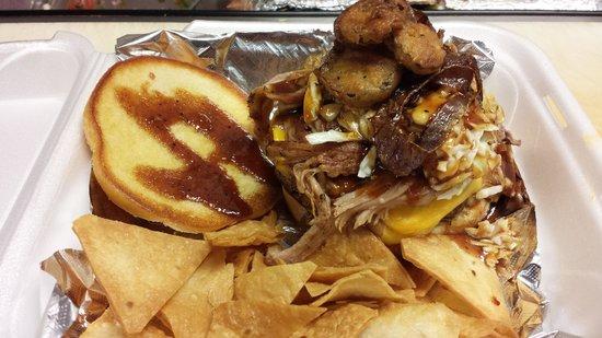 Crabby Chris : Hog-n-Heffer Burger