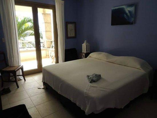 Bellafonte Luxury Oceanfront Hotel: Bdrm Room 204