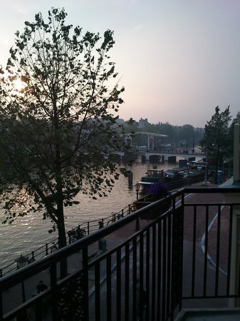 โรงแรมเดอะบริดจ์: Utsikt från rummet