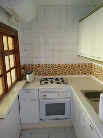 Apartamentos Nucleo Cristal : De keuken, in mooie Spaanse stijl