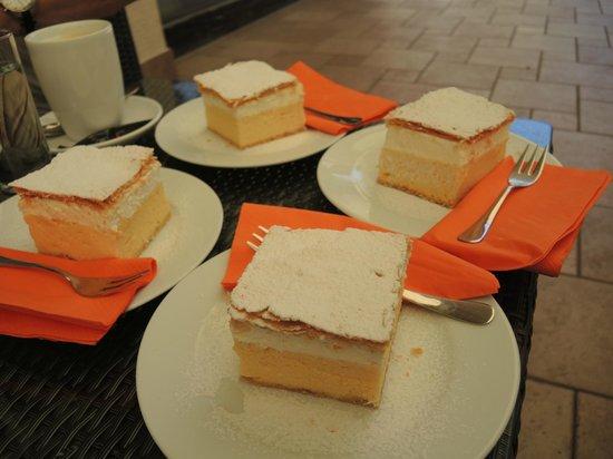 Hotel Ribno : Bled Cake.